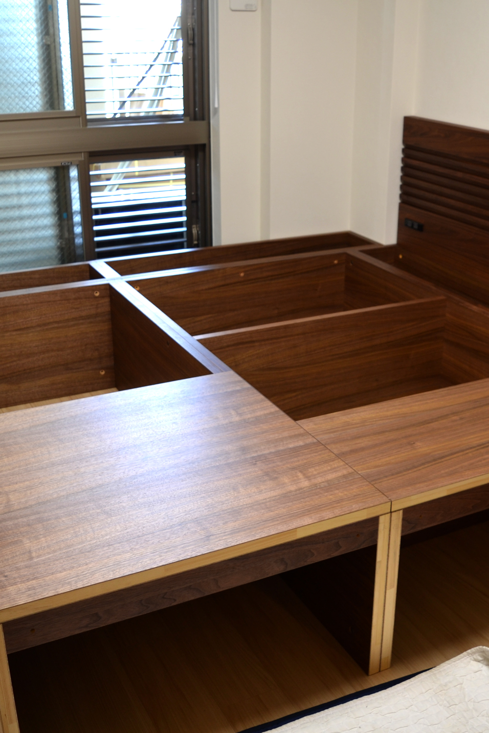 bed stage tatami
