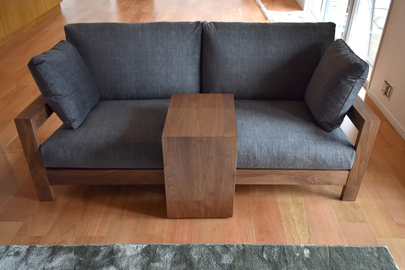 sofa surf walnut plugtable