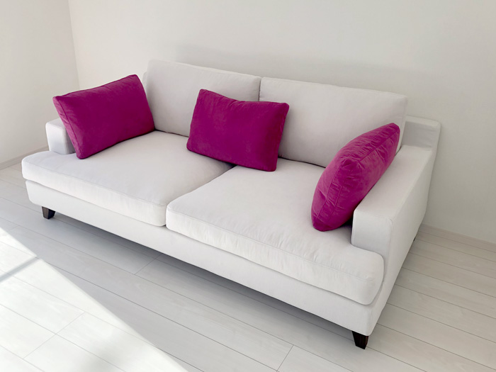 sofa ample walnut white pink