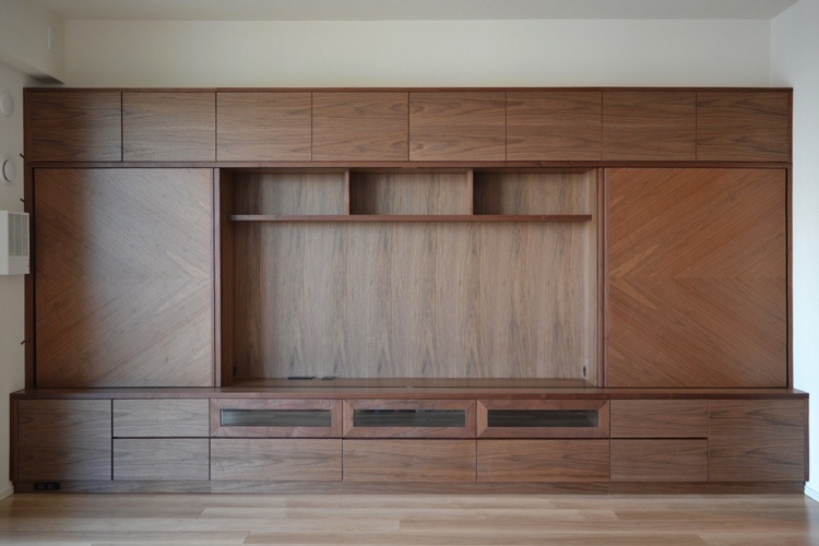 wallstrage living walnut ordermade